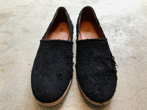 TOMOTAKA  SUEDE SLIPON black