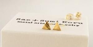 K24 Pure Gold Triangle ◇小さな純金の三角形◇スタッドピアス◇片耳分~