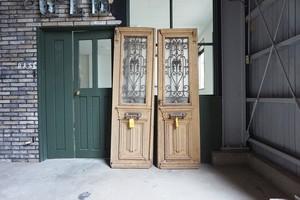 フレンチアイアン観音ドア