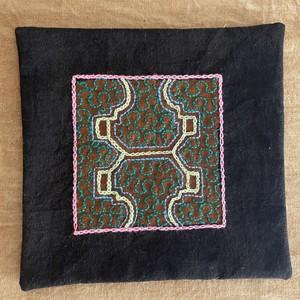 刺繍コースター シピボ族の泥染めと手刺繍 天然素材 両面