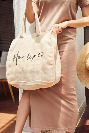 Her lip to Linen Tote