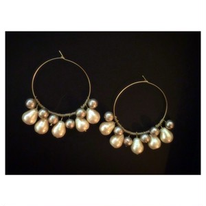 pearl hoop pierce