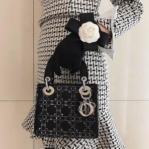camellia glove