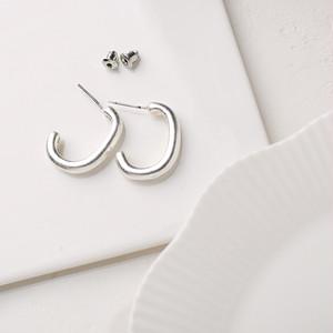 即納 送料無料 ピアス フープ シルバー925ポスト silver925 シンプル ヴィンテージシルバー C型 大人 上品 韓国ファッション K-POP モテ力 結婚式 二次会 パーティーピアス 秋冬 オルチャン アクセサリー kac0168