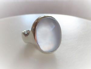 カルセドニーの指輪