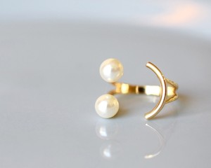 Smile pearl ring