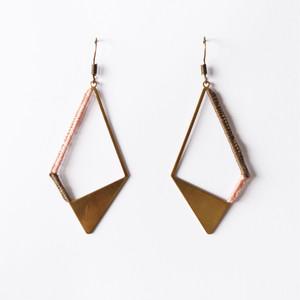 ピンク&ブラウン 真鍮+刺繍糸のピアス