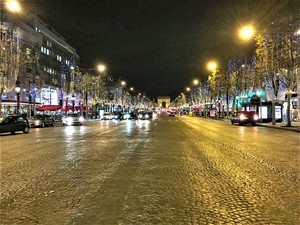 クリスマスのシャンゼリゼ通り