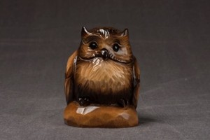 蝦夷シマフクロウ台彫 3寸〈ブラウン〉-70