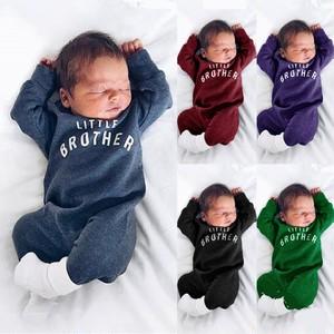 【オールインワン】売れ筋定番無地アルファベット付多色新入児ベビーロンパース24375458