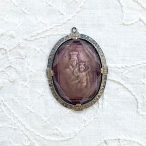 ハンガリー ガラスの聖母子像 ペンダントトップ