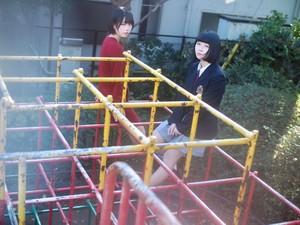 8thシングル「アイドル/海がきこえる」
