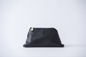 nejiri leather clutch bag