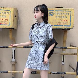 おしゃれシャツ+ハイウエストのタイトスカート