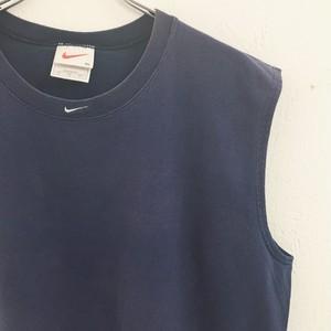 NIKE : logo embroidery no sleeve Tee (used)