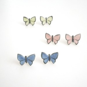 蝶々耳飾り