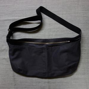 black apron bag