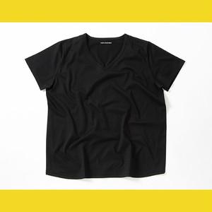 チャビー特有お腹が出ていることをカバーしてくれるTシャツ  BLACK