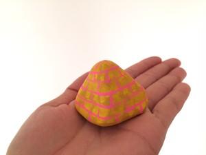 ピラミッド(ピンク)
