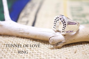 Tunnel of Love Ring