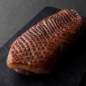 【クール便配送】皮目を焼いたフランス産鴨胸肉の生ハム