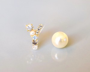 【Y】Initial bijou pierce/earring