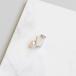 ■solid pearl pierce -triangle / silver-■ ソリッドパールピアス トライアングル シルバー