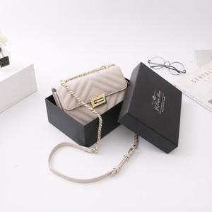 チェーンバッグ チェーン 小ぶり スクエア ハンドバッグ かばん 鞄 ショルダーバッグ バッグ 大人 大人女子 オフィス 人気