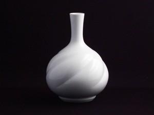 【井上萬二作】白磁線鶴首花瓶