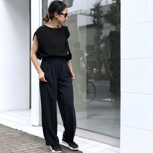 Tuck In Sleeve Top/BLACK