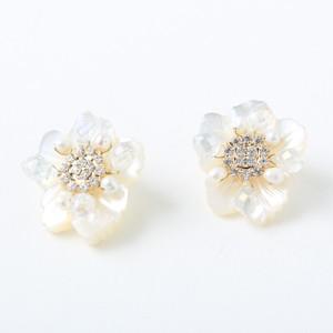 再々入荷)  イヤリング mini flower shell 【P-005】