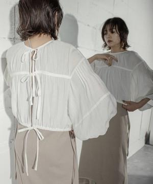 2WAY CROPPED GATER BLOUSE  (OFF WHITE)