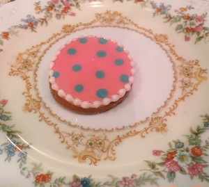 "cukr - ""dot circle cookie brooch (PINK)"""