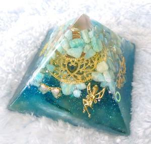 エメラルドの妖精 ピラミッド型オルゴナイト