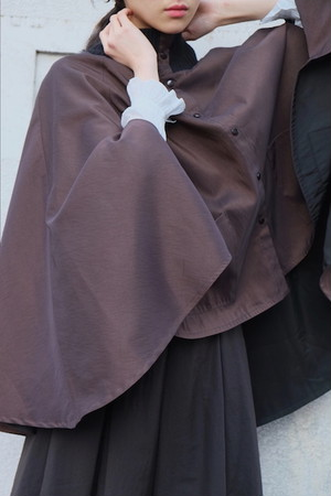 yoru no mado reversible cape.