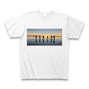 ウユニ塩湖 夕日をバックに