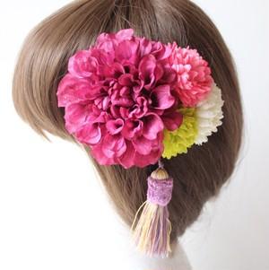 ワインレッドのダリア、マムの髪飾り