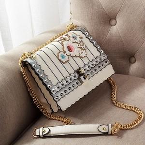 Bag Messenger Bag Rivet Embroidery Handbag Crossbody Chain Bag Shoulder Bag Handbag 刺繍 ショルダーバッグ クロスボディ チェーン ハンドバッグ メッセンジャーバッグ (FO99-2748045)