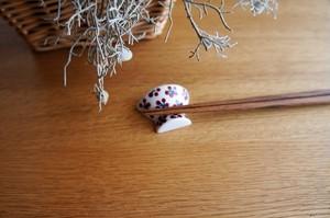 砥部焼/お茶碗型箸置き/赤小紋/すこし屋