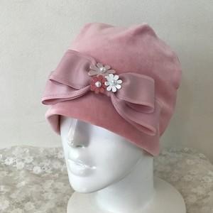 お花と縁取りリボンのケア帽子 ベロア ピンク