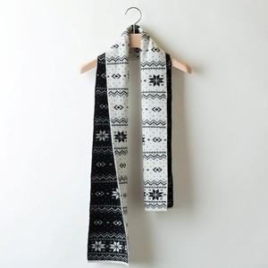 SNOW JACQUARD MUFFLER (White x Black)  PCA0007