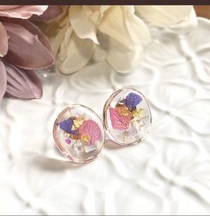 ピンク紫お花のレジンピアス【k 16GP】