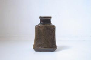 ゆる角花瓶