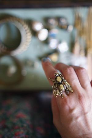 [vintage] honeybee ring