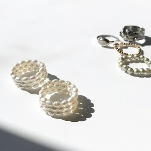 AR1003 - Spiral pearl ring