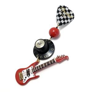 ギターモチーフ ピンブローチ red