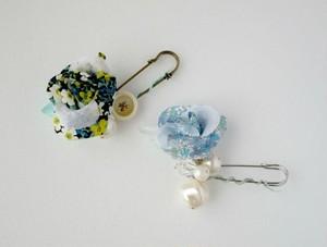 花柄のローズとパールのショールピン。Blue/green rose