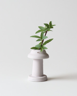 ランプの妖精のフラワーベース  花瓶