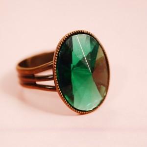 クルクルガラス エメラルド ヴィンテージドイツ製 ガラス リング(指輪)
