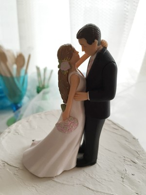 Bride and groom ケーキトッパー「LOVE」